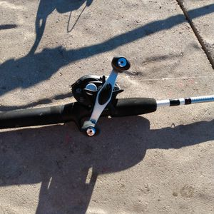 Shakespeare Baitcater Used 2 Time for Sale in Dexter, NM