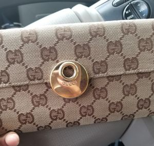 Gucci wallet for Sale in Humble, TX