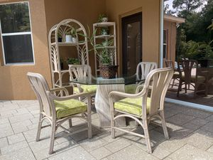 Indoor/Outdoor Rattan Wicker Dining Table Set (7 pieces) for Sale in New Port Richey, FL