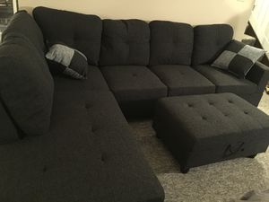 New dark gray linen fabric sectional couch with storage ottoman for Sale in Renton, WA