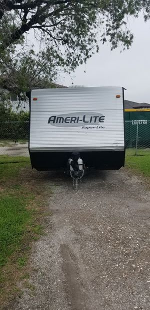 2016 gulfstream superlite 188rb camper trailer rv travel trailer for Sale in Miami, FL