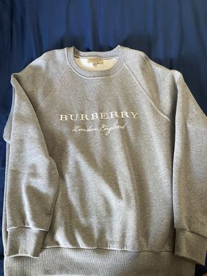 Burberry sweater for Sale in Corona, CA
