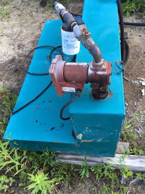 100 Gallon Diesel Tank With Pump ( Must Sell ) for Sale in Torrington, CT