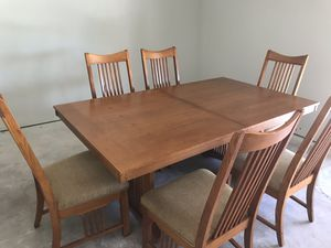Beautiful mission oak dining table + 6 chairs for Sale in Glendale, AZ