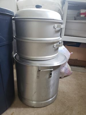 Large aluminum cooking pans for Sale in Ravensdale, WA