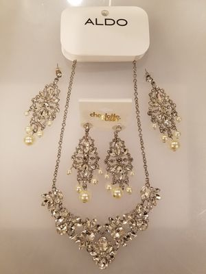 Aldo Diamond Necklace & Earrings, Jewelry for Sale in San Antonio, TX