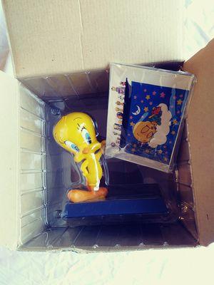 Warner Bros Studio Store Tweety Bird Peek Photo Frame Looney Tunes for Sale in TEMPLE TERR, FL