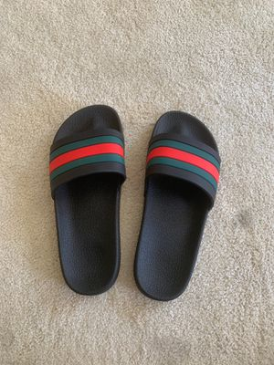 GUCCI SLIDES SIZE 10 for Sale in Lynnwood, WA