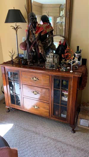 Buffet Cabinet English Antique for Sale in Calabasas, CA