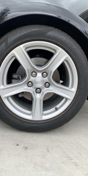 "Stock Camaro Rims+ tire 2018 18"" for Sale in Fresno, CA"