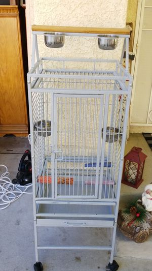 Deluxe Bird Cage on wheels for Sale in Las Vegas, NV