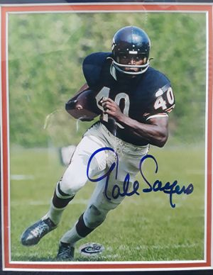 Chicago Bears - Gale Sayers Autograph for Sale in Carrollton, TX