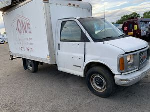 2002 Chevy express box truck for Sale in Lanham, MD