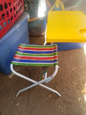 Mini desk for you kids for Sale in Phoenix, AZ