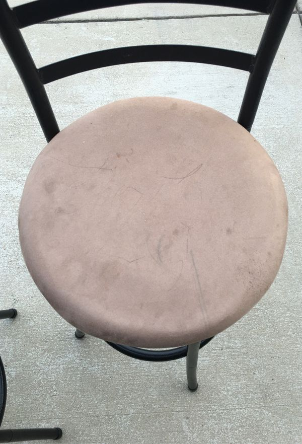 2 Bar stools $5 each