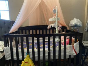 Baby crib with changing table for Sale in Orange, CA