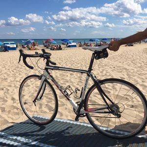Fuji ccr1 full carbon fiber road bike for Sale in Pompano Beach, FL
