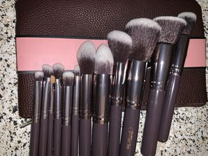12 pcs makeup brushes new for Sale in Los Gatos, CA