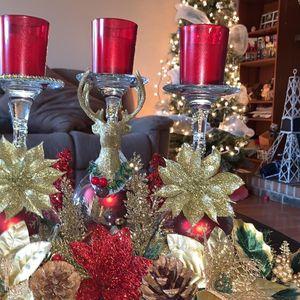 Critsmas Centerpiece . for Sale in Carrollton, TX