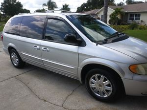 Chrysler Town & Country Limited for Sale in Tarpon Springs, FL