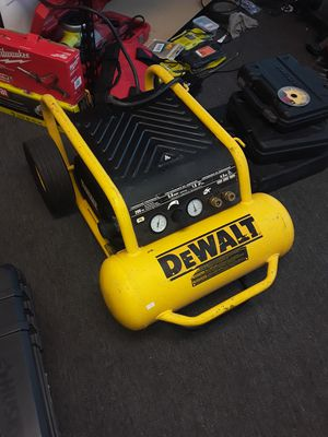 DEWALT 4.5 Gal. Portable Electric Air Compressor retail $389 for Sale in Garden Grove, CA