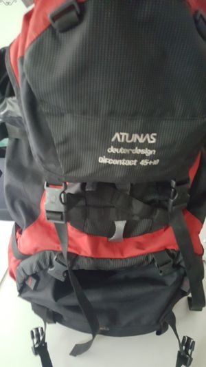 Deuter hiking bag with raincover for Sale in Streamwood, IL