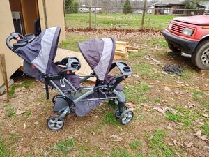 Baby trend sit n' stand double stroller for Sale in Gastonia, NC