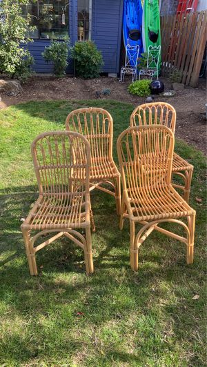 Table chairs for Sale in Tigard, OR