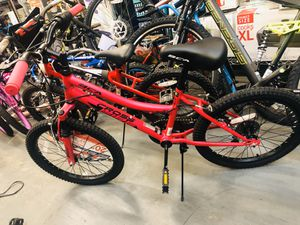 """CA 20"""" Crossfire Girl's Mountain Bike, Pink for Sale in College Park, GA"""