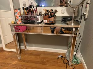 Mirrored desk vanity makeup for Sale in Union City, CA