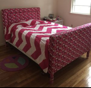 Hello kitty Bedframe perfect condition! for Sale in Wellesley, MA