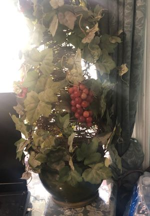 Grape vine with green planter for Sale in Downey, CA