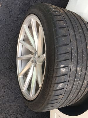 Vossen wheels for sale $1800. for Sale in Miami, FL