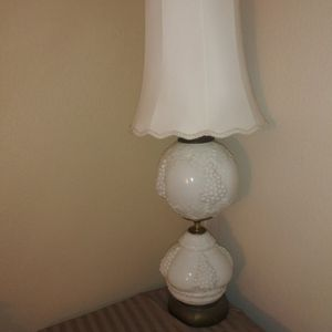 Double Globe Lamp for Sale in Hesperia, CA