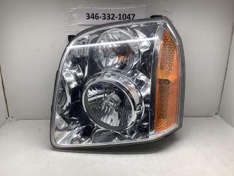 2007 2014 GMC Yukon left headlight for Sale in Houston,  TX