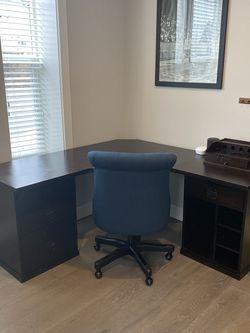 PotteryBarn Bedford Corner Desk for Sale in Redmond,  WA