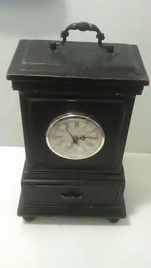 Vintage Mantel Clock for Sale in Vancouver, WA