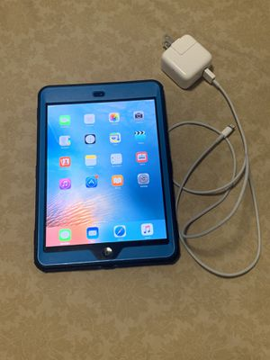 Apple iPad mini 1 WiFi only, 16GB grey black finish, with case and cable charger for sell asking $120 or best offer. for Sale in North Miami Beach, FL