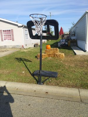 Basketball hoop for Sale in Shelbyville, KY