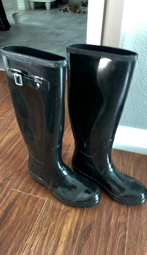 Women's rain boots for Sale in Alta Loma, CA