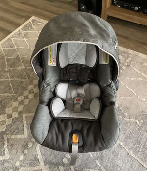 Chicco KeyFit 30 Infant Car Seat for Sale in Saint Charles, MO