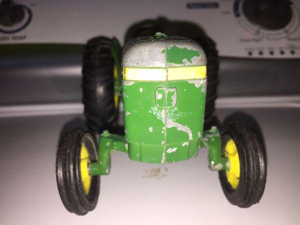 Collectible John Deer Tractor & Trailer!!