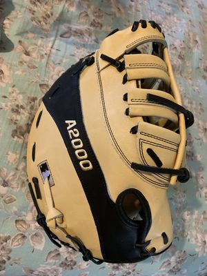 Wilson A2000 First Base glove Right Hand Throw for Sale in South Gate, CA