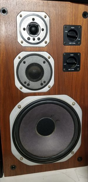 Yamaha NS670 NS-670 Classic 3-way speaker system for Sale in National City, CA