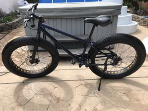 Fat tire bike with front and rear disk brakes. for Sale in Union City, CA