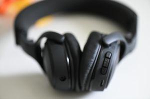 Bose OE Bluetooth Headphones like new for Sale in Miramar, FL