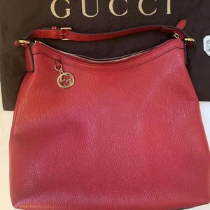 RED LEATHER GUCCI BAG for Sale in Los Angeles, CA