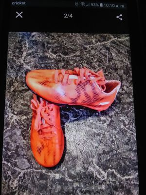 Soccer shoes adidas SIZE 1/12 for Sale in Fort Myers, FL