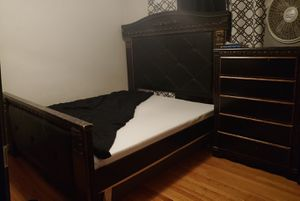 4PC BedRoom Set, BED FRAME, DRESSER, CHEST, AND SMALLER DRESSER for Sale in Ocala, FL