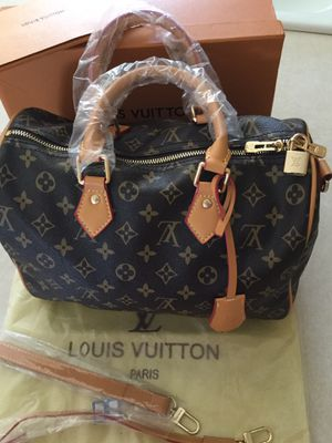 Louis Vuitton monogram Speedy Bandouliere 30 bag with box and dust bag. for Sale in Gilbert, AZ